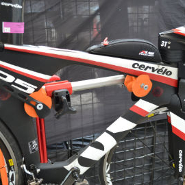 Image of Cervélo P5 Tri-bike in the Hirobel Frame Clamp